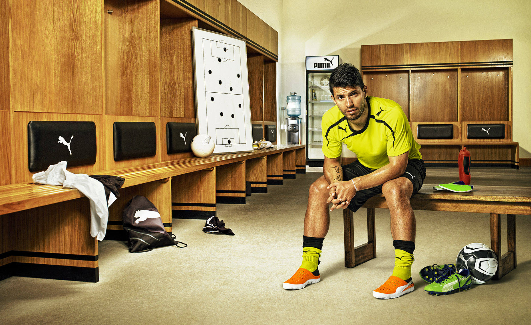 puma_aguero_locker_room_1860